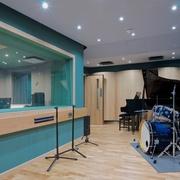 studio_image_1.jpg