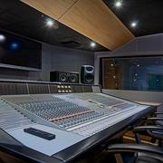 studio_image_2.jpg