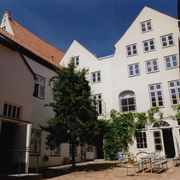 innenhof_musikhochschule_hl.jpg